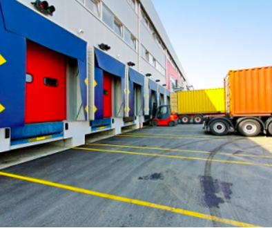 trucks-loading-at-shipping-facility